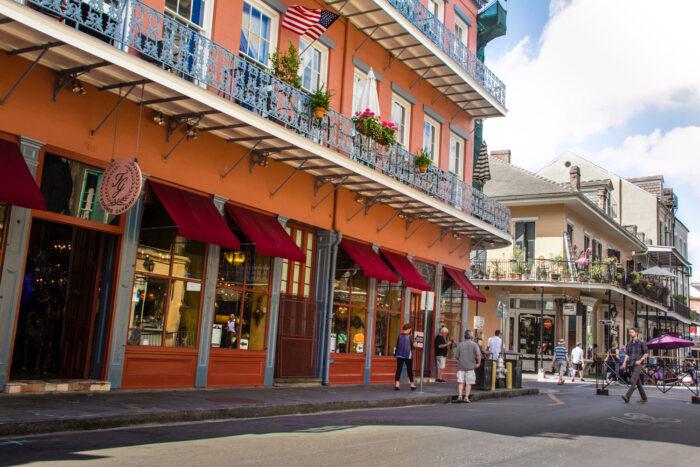 Gatubild French Quarter i New Orleans.